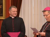 imenovanje biskupa (25)