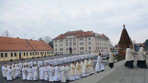 Misa posvete ulja i susret svih svećenika Đakovačko-osječke nadbiskupije