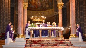 Večernje misno slavlje u đakovačkoj katedrali na Spomen svih vjernih mrtvih