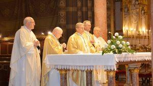 Svetkovina Svih svetih u Đakovu – večernje misno slavlje za branitelje i žrtve Domovinskoga rata